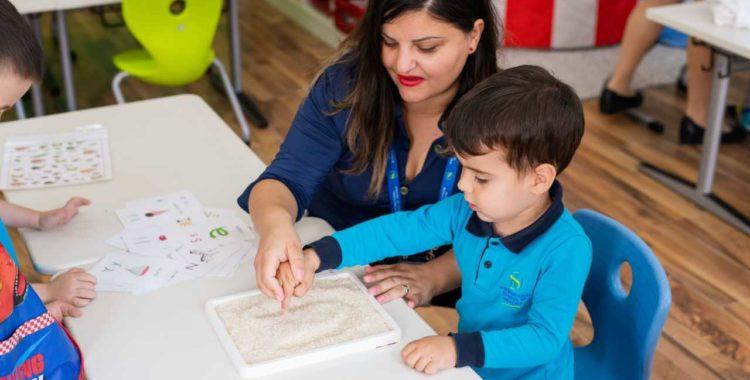 """International School of Oradea va invita la """"Ziua porților deschise"""""""