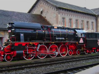 """Locomotive cu abur în Gara Oradea, """"mocănițele"""" Bihorului"""
