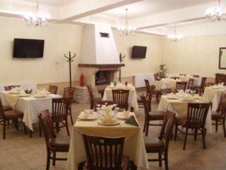 Restaurant-Garden-Club-2