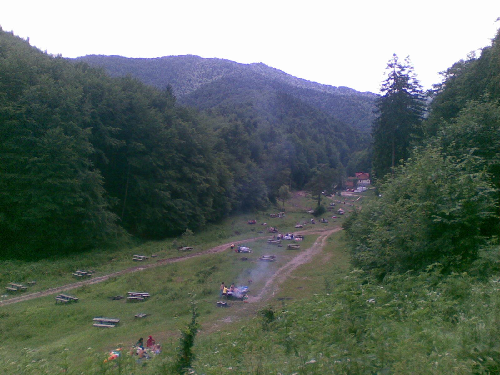 La Iepure, Racadau, Brasov Locuri de grătar în Brașov