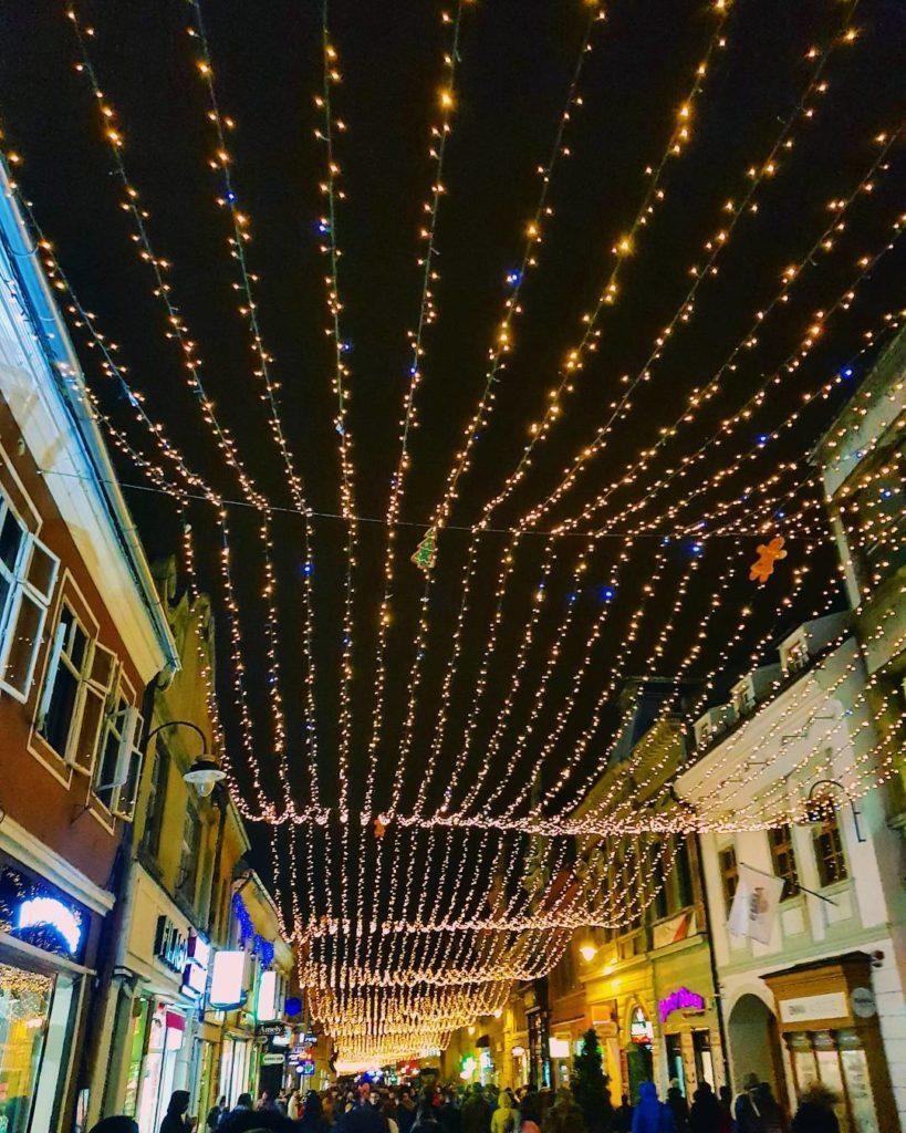 Brașovul este gata de sărbătoare – Târgul de Crăciun a început
