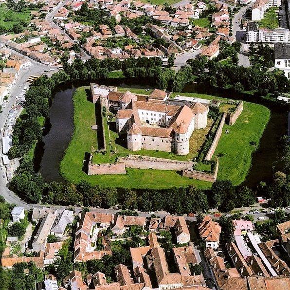 La doi pași de Brașov – Cetatea Făgărașului