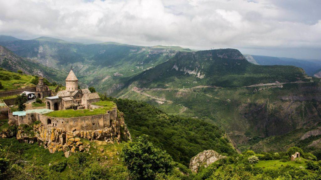 Brașovul, o destinație exotică pentru turiștii ce vizitează Europa de Est