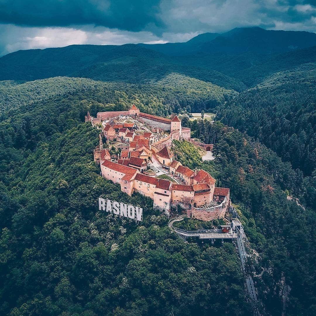 Pe unde evadăm în Brașov Locuri unde găsim Escape Rooms