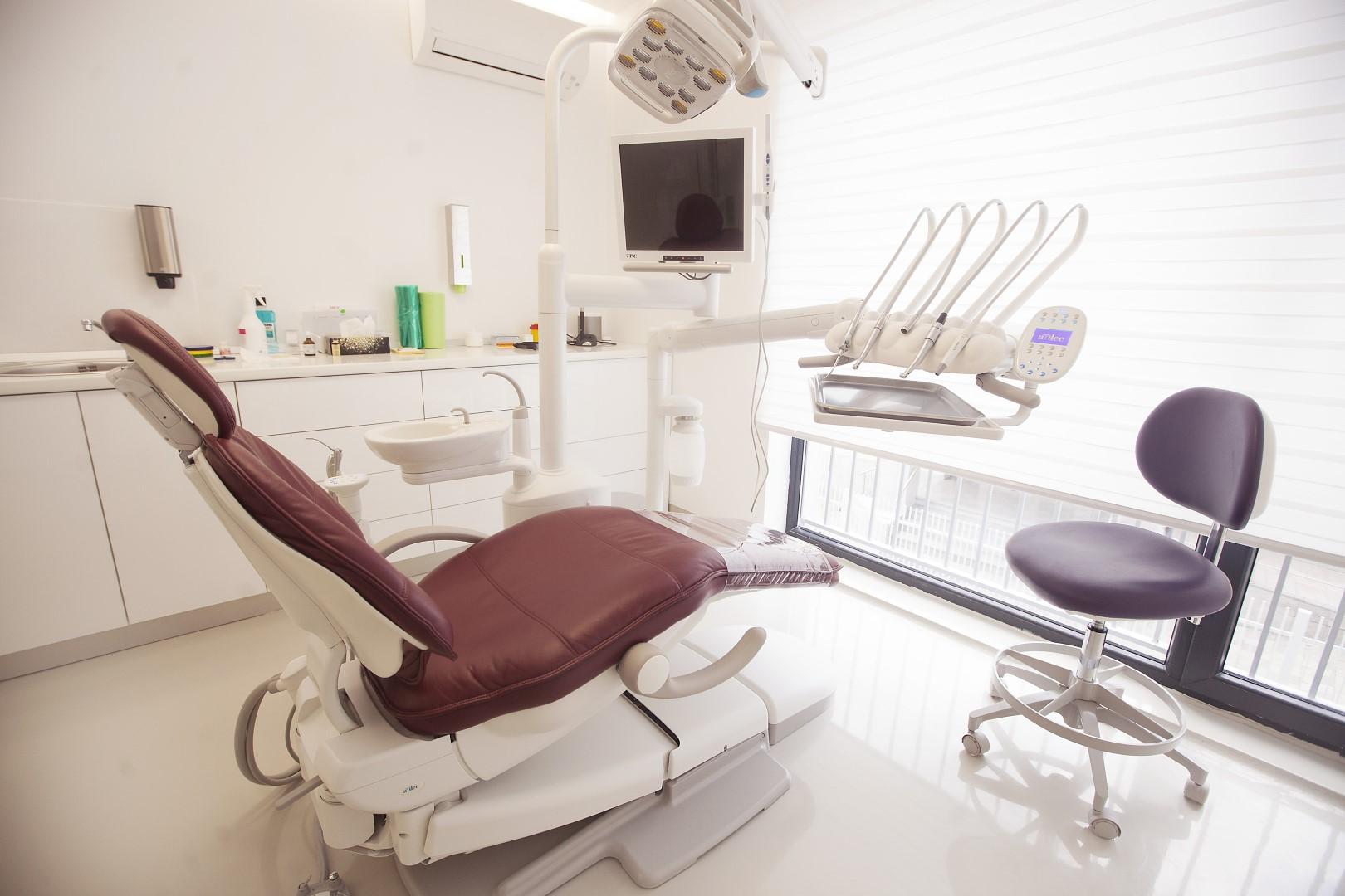 aparatului dentar (2)