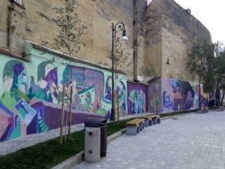 Pictură murală de proporții impresionante în centrul istoric din Brașov