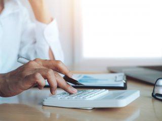Scapă de procesele repetitive și genereaza fluturas de salariu pentru angajați simplu și rapid