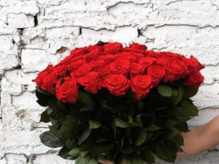 Cu ce ocazii putem să oferim un buchet doar de trandafiri?