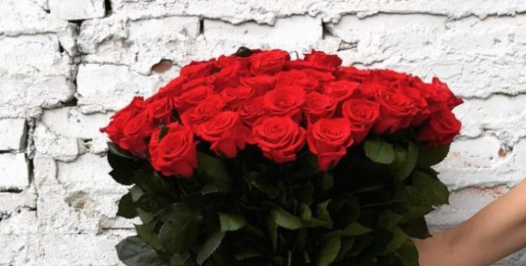 buchet de trandafiri the million roses