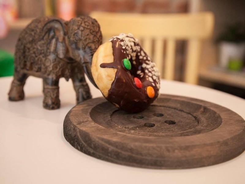 calatorie culinara in jurul lumii city card romania restaurant bucataria americana donut