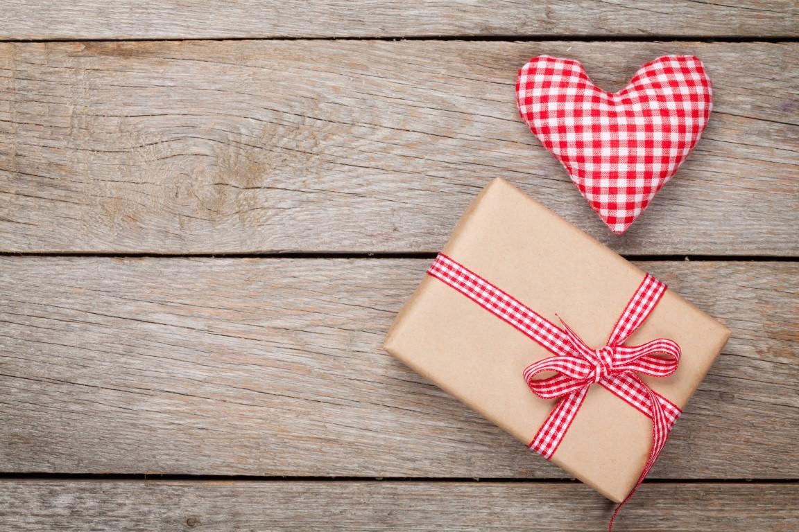 surpinzi persoana iubita de Valentine's Day 2